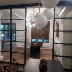 Cerramiento puertas correderas vidrio-hierro lacado en negro