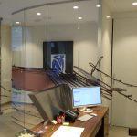 Despacho poligonal inoxidable-vidrio