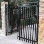 Puertas pivotantes entrada a edificio