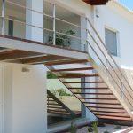 Escalera-exterior-de-acero-inoxidable-1-780x450