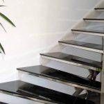escalera-interior-curva-en-acero-inoxidable2-723x450
